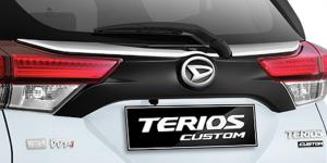 Harga dan Spesifikasi Daihatsu Terios Pekanbaru - Black Back Door Garnish with Chrome List