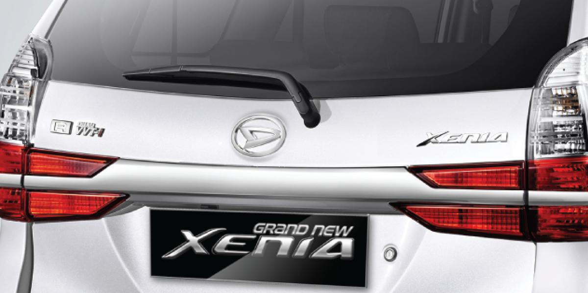 Harga dan Spesifikasi Daihatsu Xenia Pekanbaru - NEW INTEGRATED CHROME BACKDOOR GARNISH